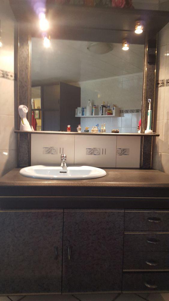 Meuble de salle de bains 1.90 m x 1.05 m 150 Essars (62)