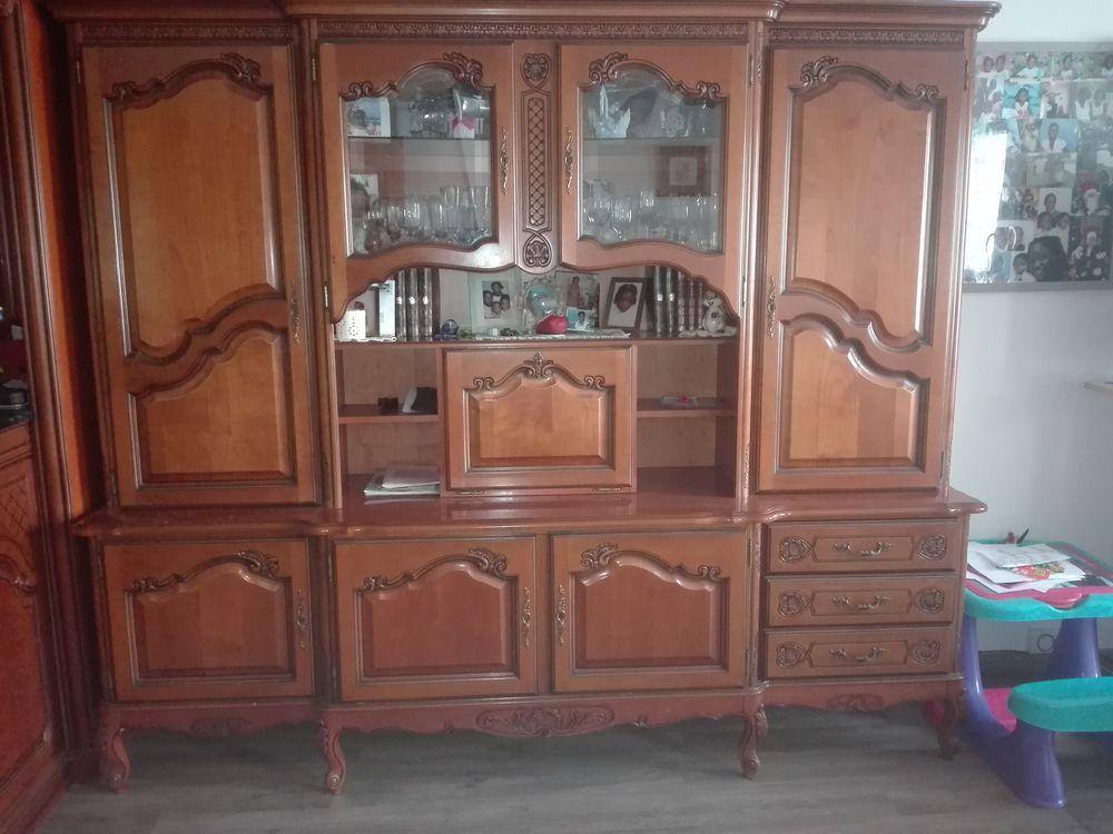 vitrines occasion en le de france annonces achat et vente de vitrines paruvendu mondebarras. Black Bedroom Furniture Sets. Home Design Ideas