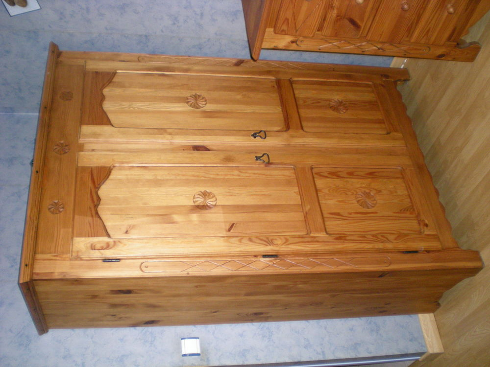armoires occasion rennes 35 annonces achat et vente de armoires paruvendu mondebarras page 5. Black Bedroom Furniture Sets. Home Design Ideas