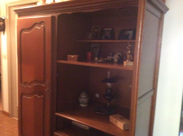 meuble style ancien avec penderie cause depart meubles