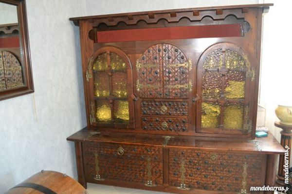 achetez meuble style basque occasion annonce vente beaune 21 wb153473704. Black Bedroom Furniture Sets. Home Design Ideas