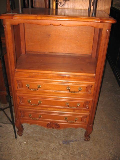 achetez meuble style l xv occasion annonce vente toulouse 31 9926842608. Black Bedroom Furniture Sets. Home Design Ideas