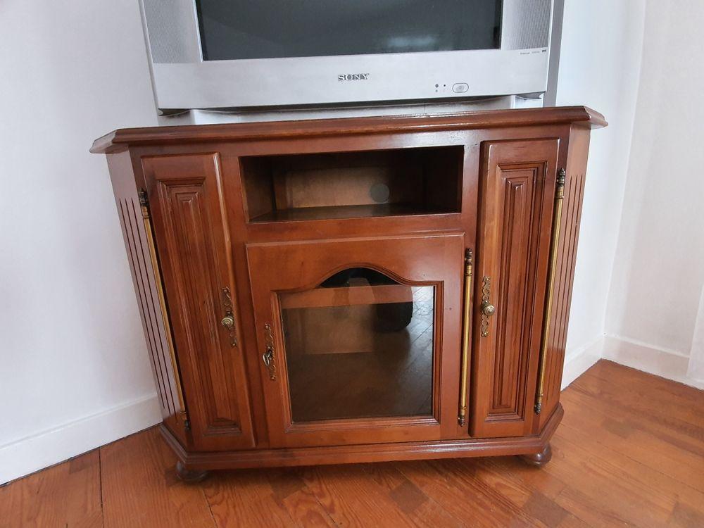 meuble télé  en bonne état 50 Annonay (07)