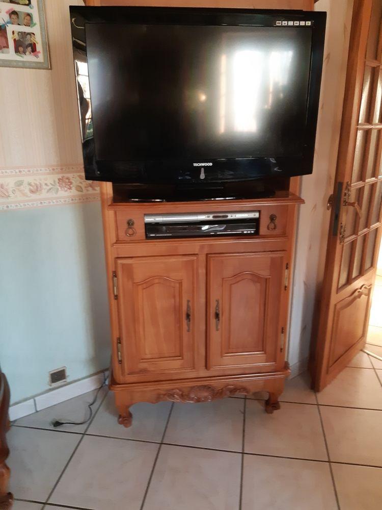 meuble télé causé deces très bon état acajou 300 Montvicq (03)