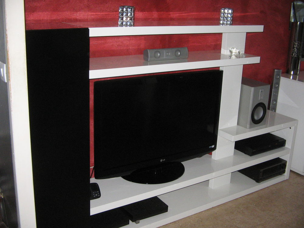 meuble télé noir et blanc 200 Le Havre (76)