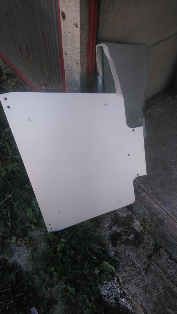 un meuble de tele tout neuf il est dans son carton 200 La Brosse-Montceaux (77)