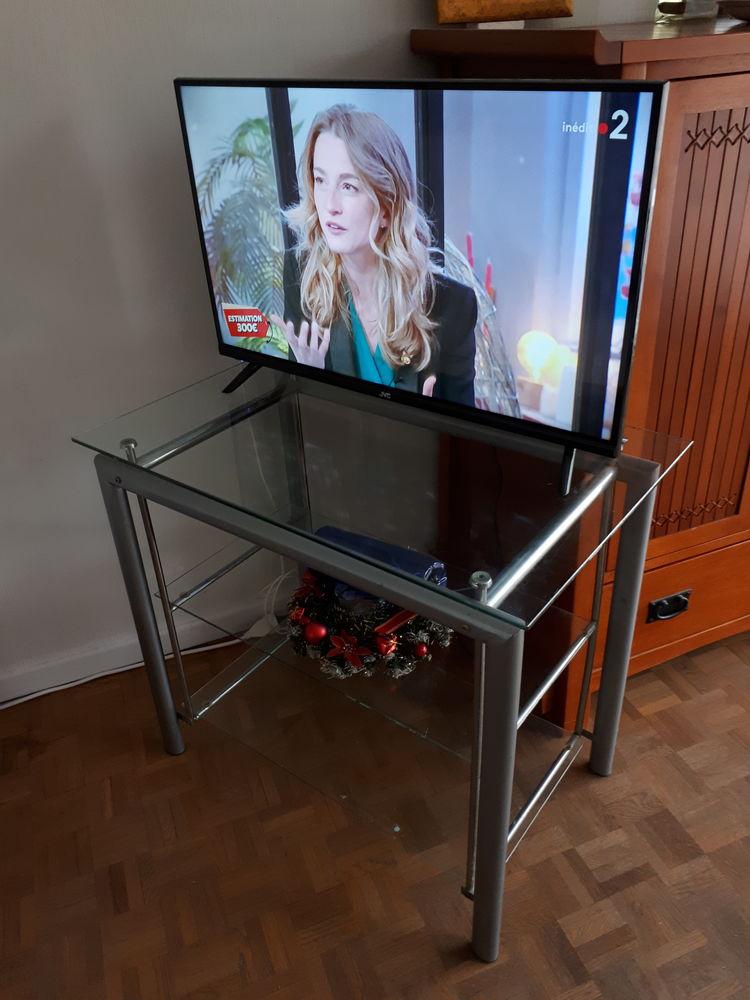 meuble téléviseur  0 Nice (06)