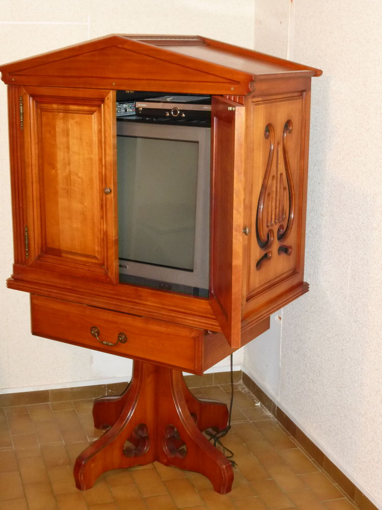 Meuble de télévision Claude DUMAS Creations en merisier 150 Saint-Nazaire-les-Eymes (38)