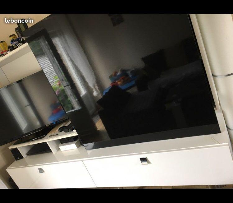 meuble télévision design vitré 220 Baguer-Morvan (35)