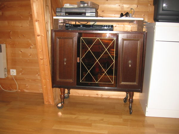 meubles bar occasion dans le nord pas de calais annonces achat et vente de meubles bar. Black Bedroom Furniture Sets. Home Design Ideas