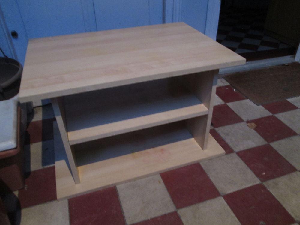 Meuble bas type meuble télé en bois clair 10 Herblay (95)