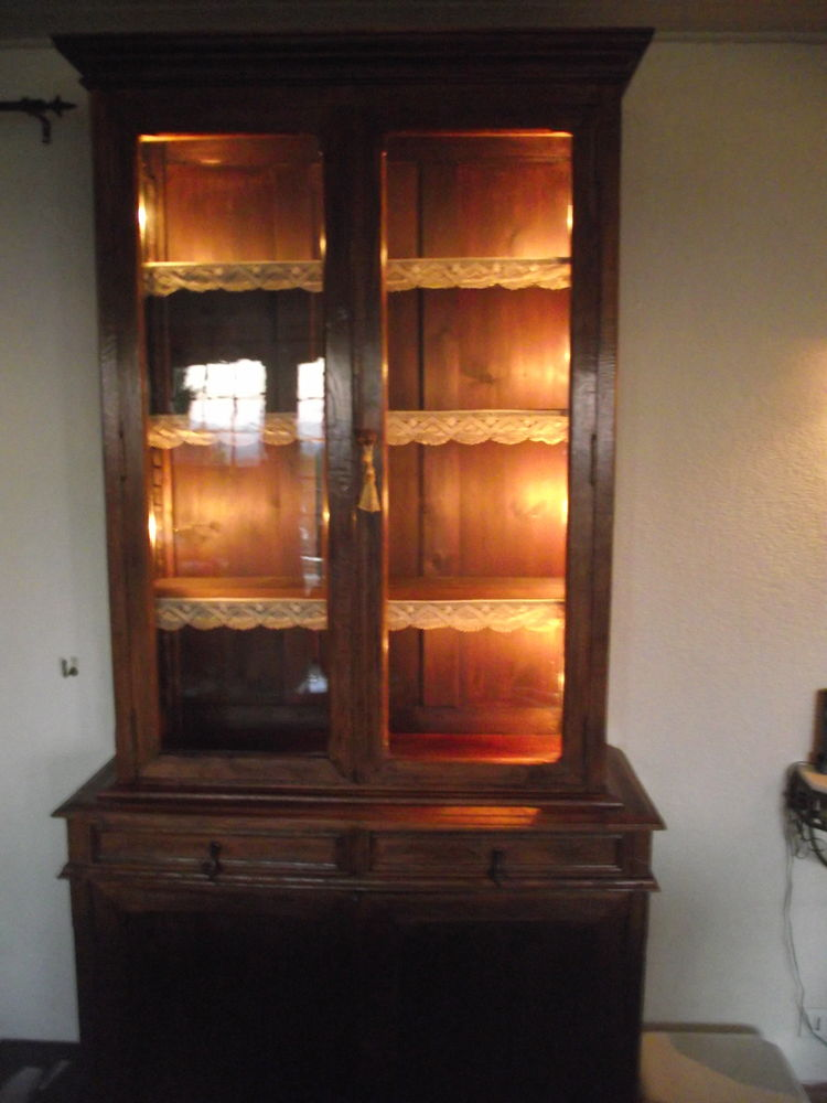 meuble type  vaisselier   + autres meubles  250 Roquebrune-sur-Argens (83)