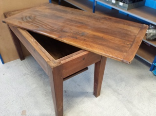 meubles anciens 350 Sainte-Maxime (83)