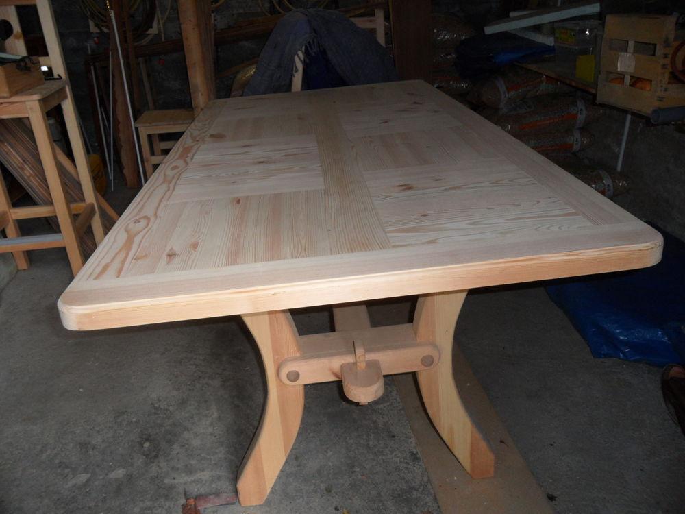 Meubles en bois originaux neufs. 250 Mâcot-la-Plagne (73)