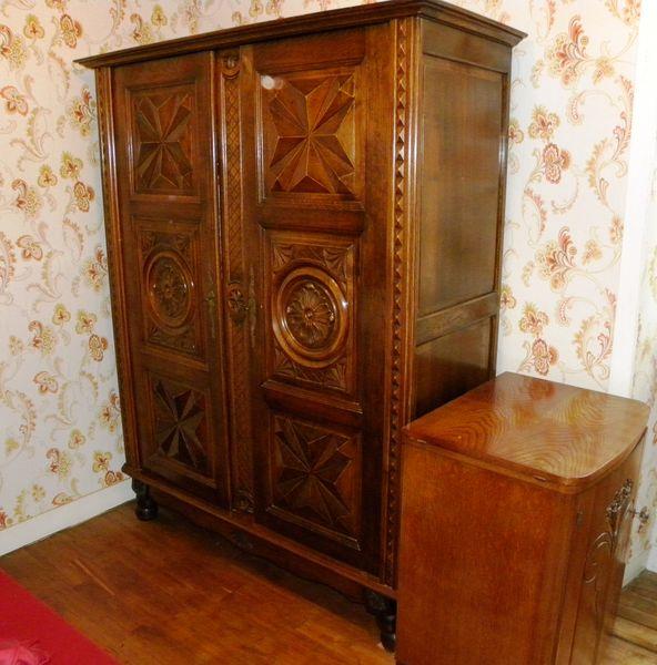 armoires occasion annonces achat et vente de armoires paruvendu mondebarras page 851. Black Bedroom Furniture Sets. Home Design Ideas