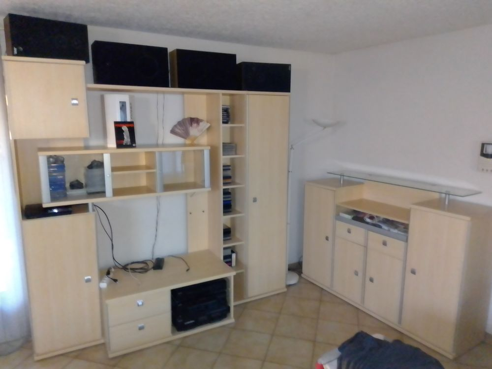 2 meubles salle a manger 150 Saint-Gilles (30)