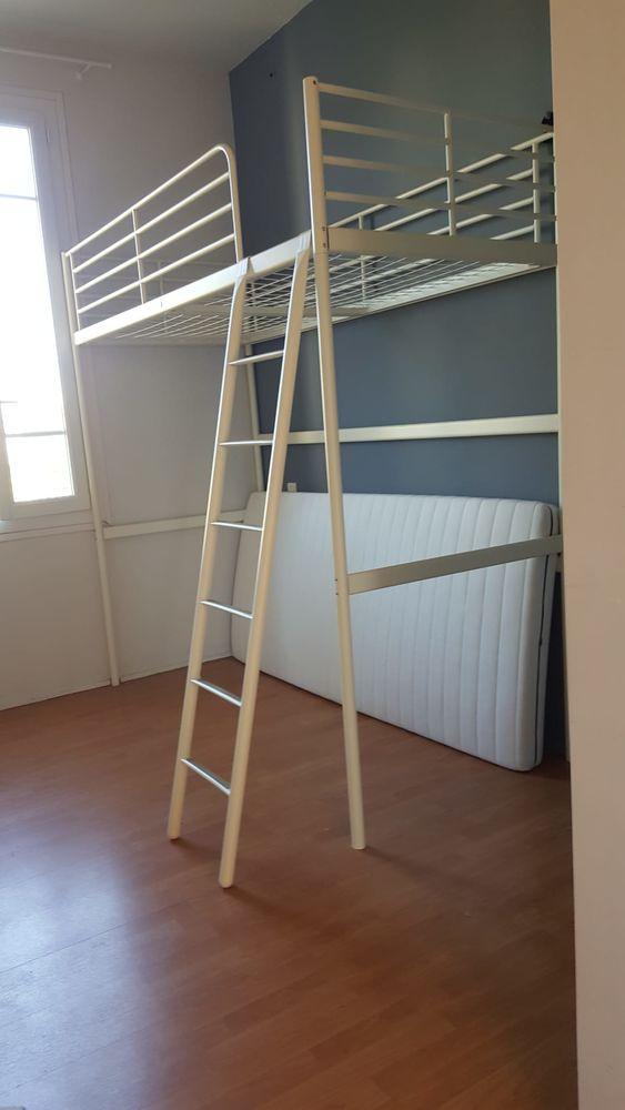 Lit mezzanine en fer blanc, avec son matelas 0 Cannes (06)