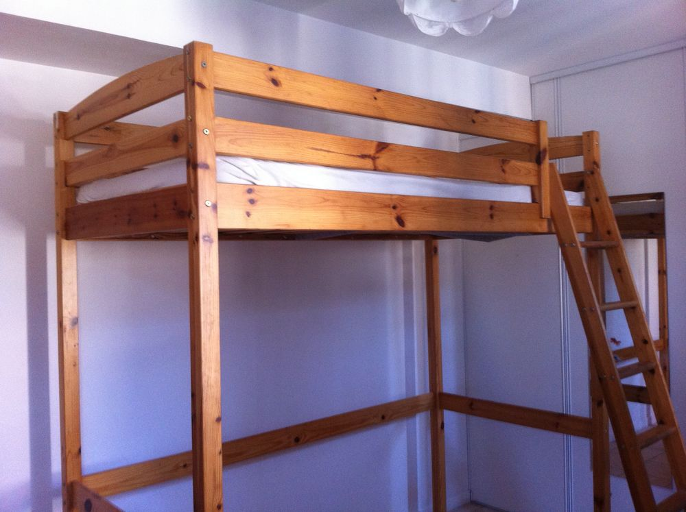lit en mezzanine en bois 110 Lachassagne (69)