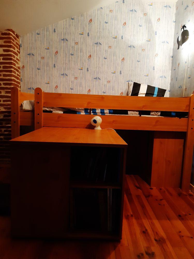 Lit mezzanine 1 place avec bureau ,étagère et placard 150 Port-Sainte-Marie (47)