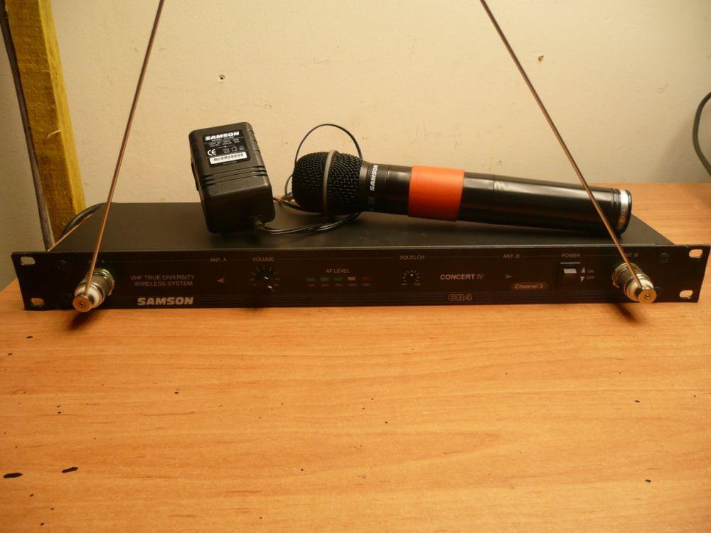 Micro HF true diversity samson concert4 rack19 Audio et hifi