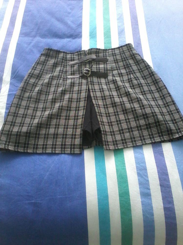 Mini jupe short pimkie a la mode neuf Vêtements