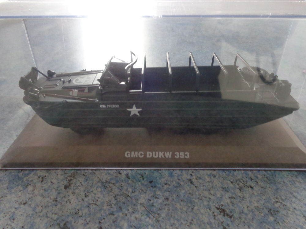 Miniature 1/43 gmc dukw 353