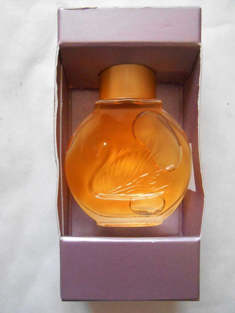 Miniature de parfum Gloria Vanderbilt  5 Villejuif (94)