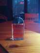 Miniature de parfum 'KL' de Lagerfeld.