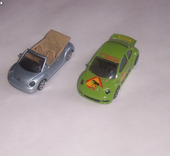 2 Miniatures automobile VOLKSWAGEN NEW BEETLE  Burago-Maisto 3 Genilac (42)