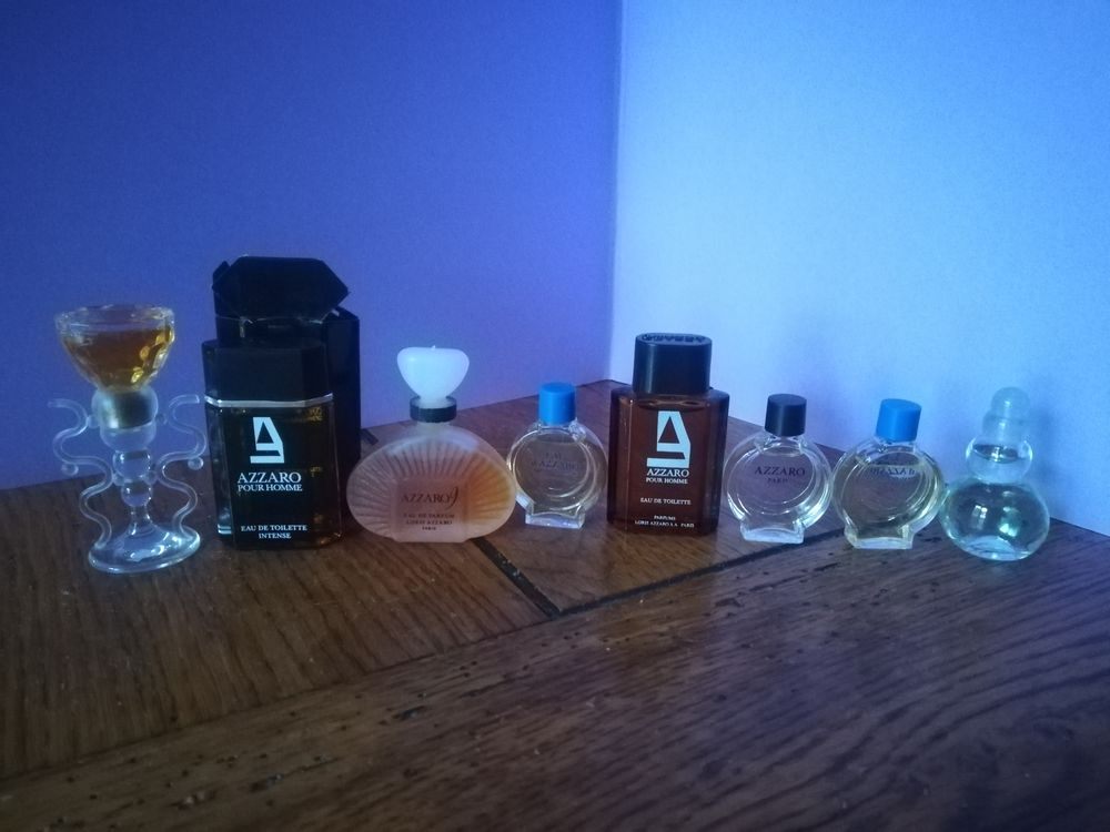 Lot de miniatures de parfum AZZARO sans boite. 25 Montceau-les-Mines (71)