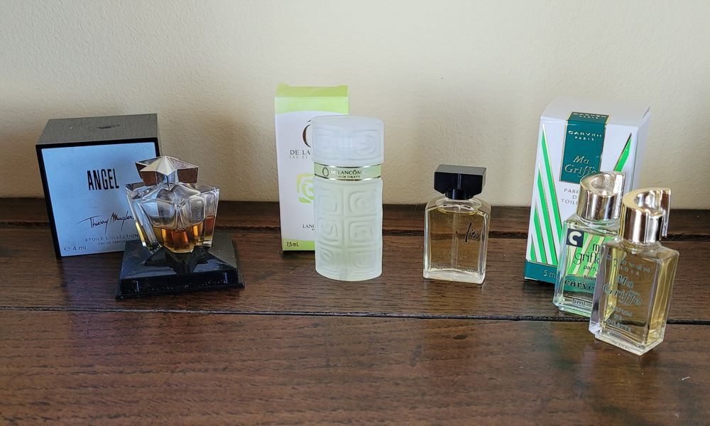 Miniatures de parfums Mugler Lancome Laroche Carven  20 Melun (77)