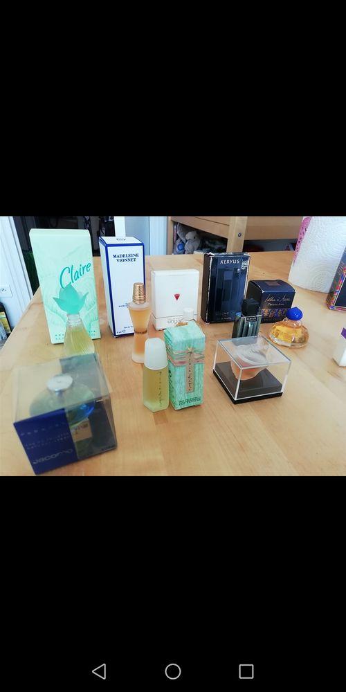 Lot Miniatures de parfums 15 Lyon 6 (69)