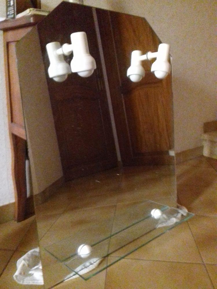 miroir avec éclairage et tablette basse 20 Arles (13)