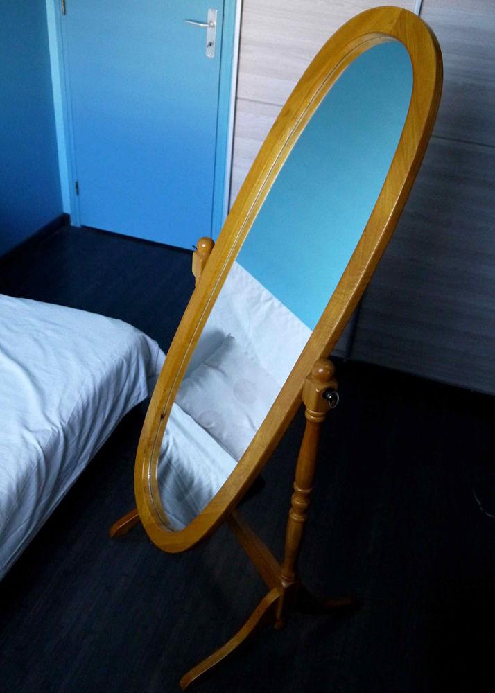 Miroir ovale sur pied 50 Goven (35)