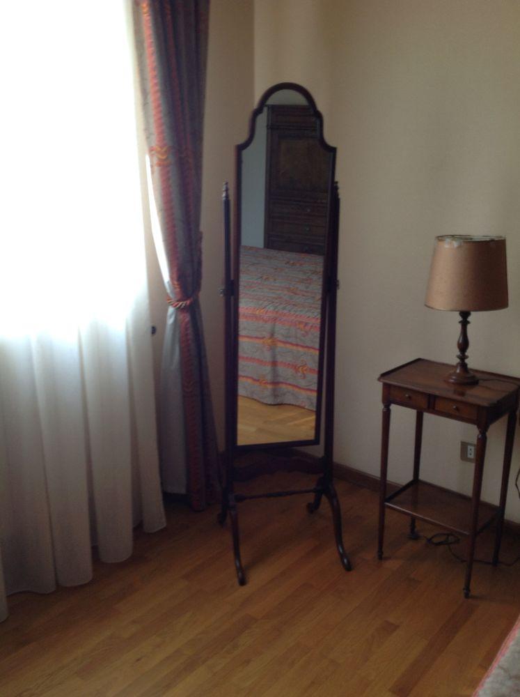 Miroir sur pieds  70 Saint-Antoine-l'Abbaye (38)