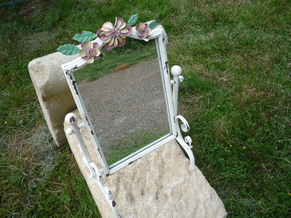 Miroir de table en fer (G) Meubles
