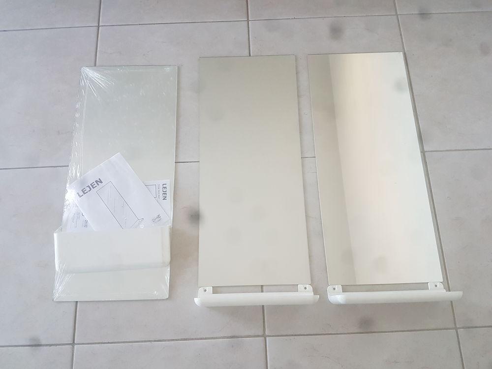 3 MIROIRS  salle debain AVEC TABLETTES Ikea 10e 10 Toulon (83)