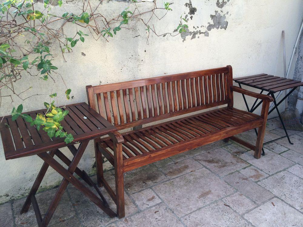 mobilier de jardin en bois.