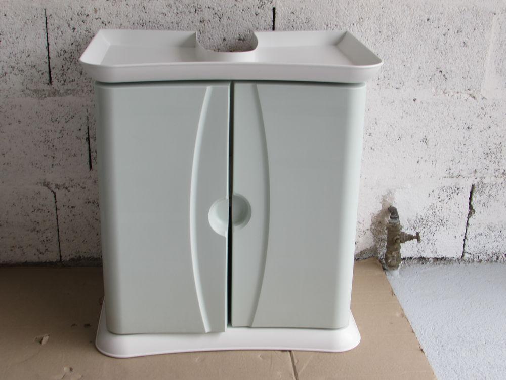 Mobilier salle de bain blanc et vert d'eau 20 Capestang (34)