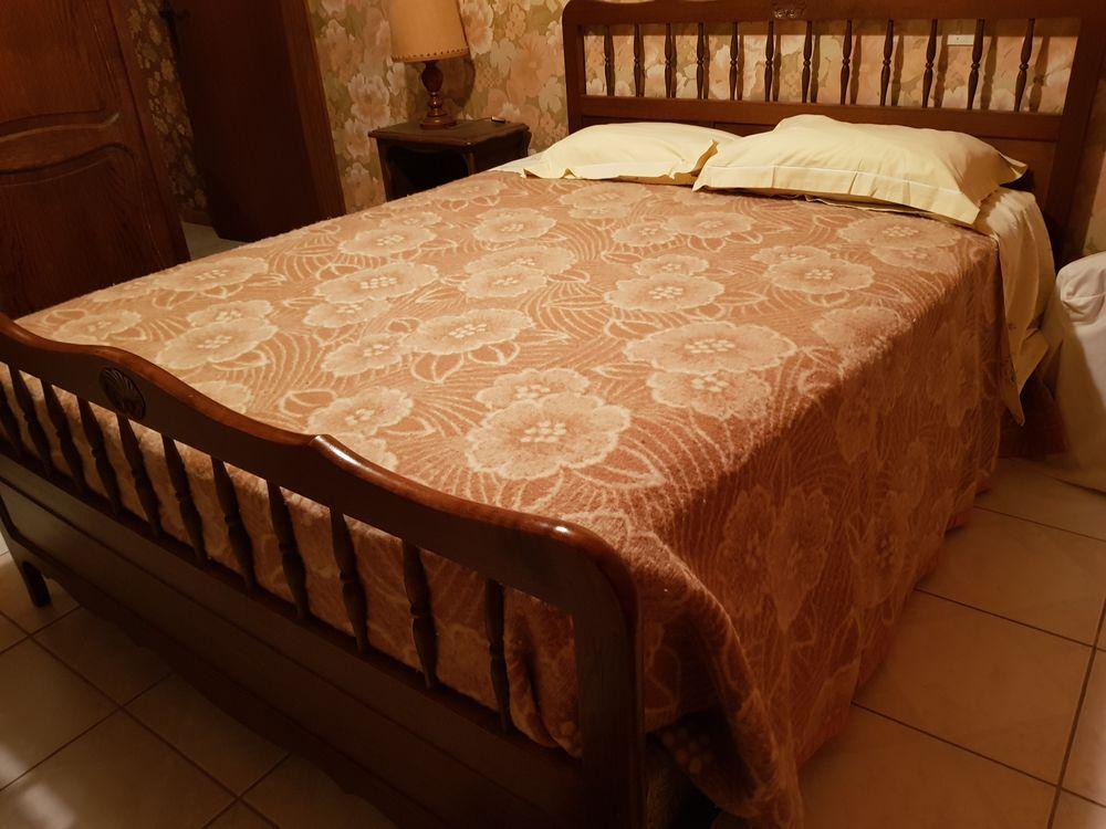 Mobiliers de chambre à coucher  170 Thônes (74)