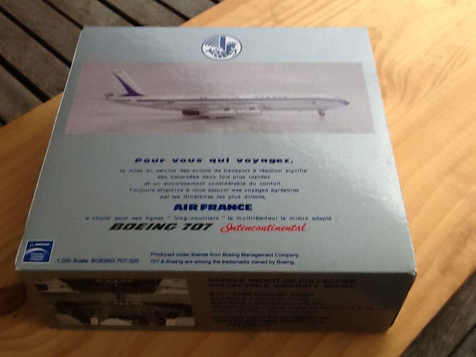 Modèle réduit en metal Air France Boeing 707 échelle 1/200 149 Saint-Denis (97)