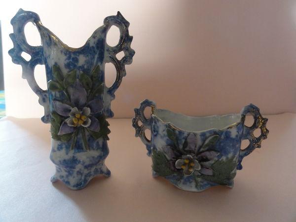 2 modèles de vases miniatures en porcelaines très anciennes 29 Nanterre (92)