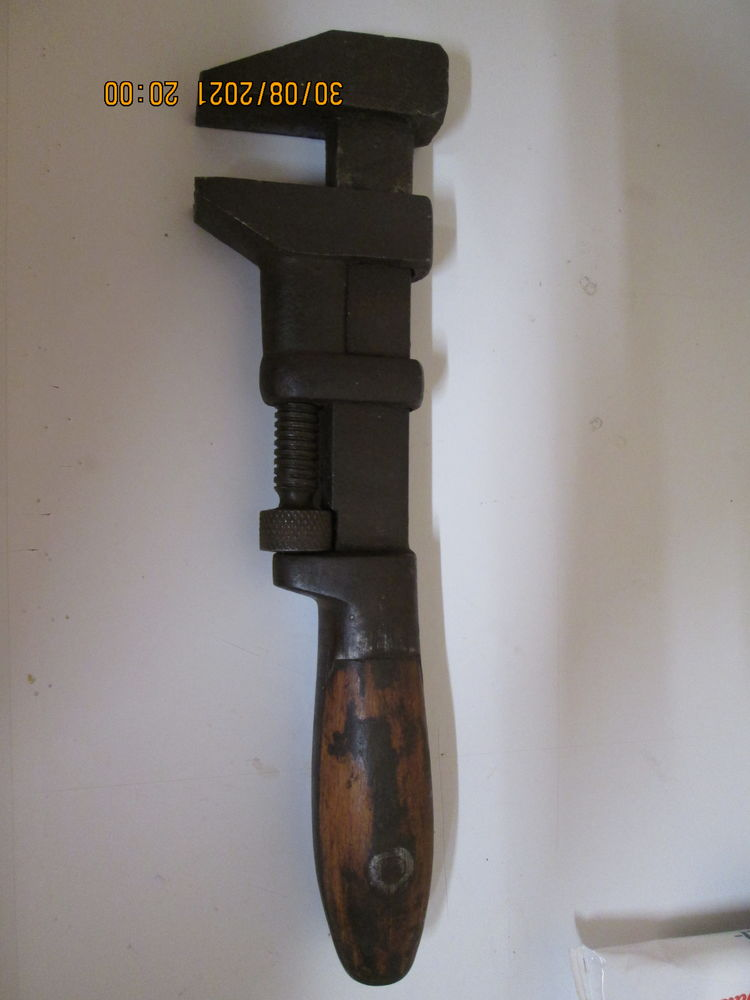 clé à molette 20 Épernay (51)