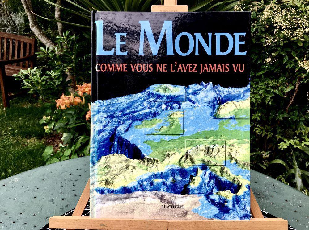Le Monde comme vous ne l'avez jamais vu; Grand livre neuf  11 L'Isle-Jourdain (32)