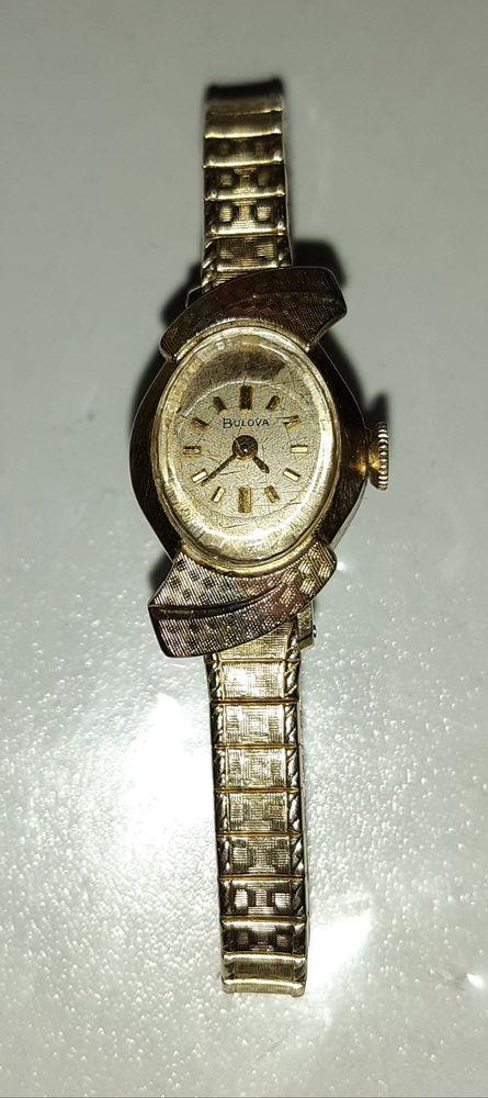 Montre Bulova de grande valeur Bijoux et montres