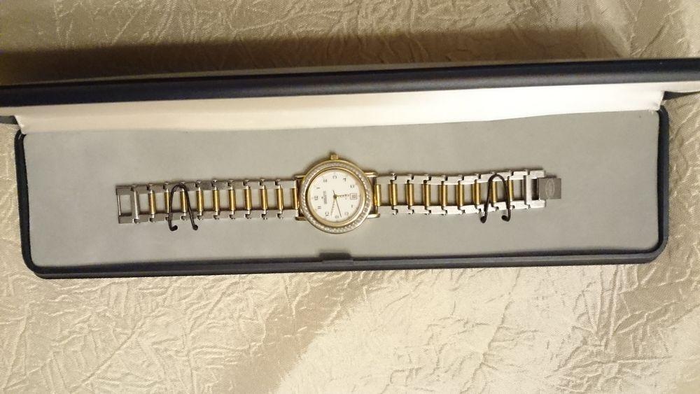 montres femmes occasion l 39 isle adam 95 annonces achat et vente de montres femmes. Black Bedroom Furniture Sets. Home Design Ideas