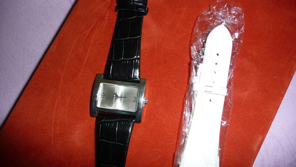 Montre femme neuve avec 2 bracelets en  cuir 10 Poitiers (86)