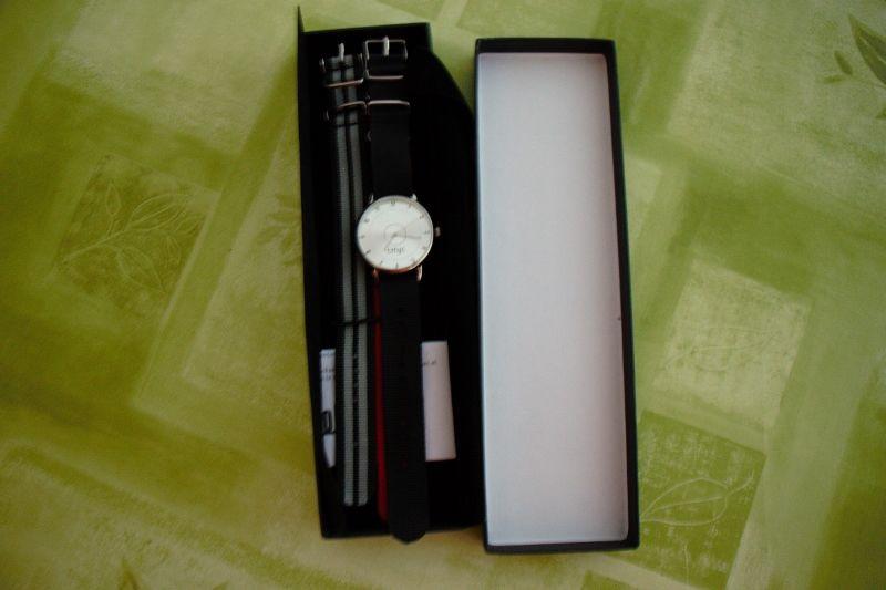 Montre mixte avec bracelet interchangeable 5 Nice (06)
