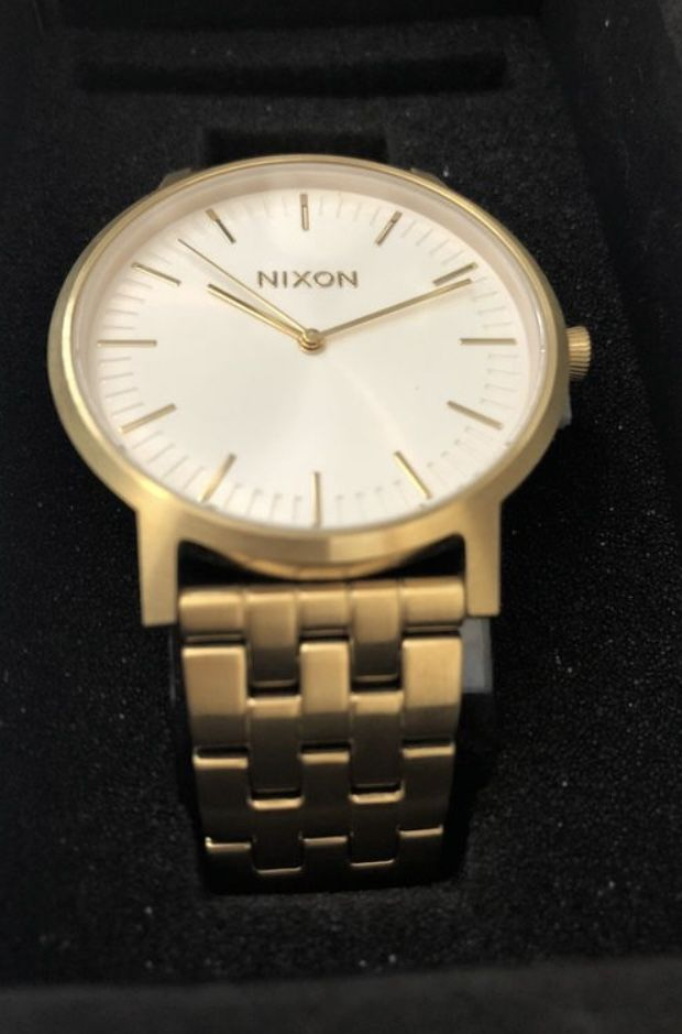 Montre Nixon porter All gold/White sunray Jamais porté  100 Montreuil (93)