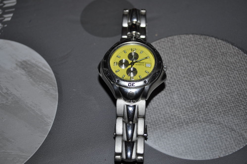 Montre pour femme  Stainless Steel Back  10 Perreuil (71)